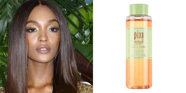 Nước hoa hồng yêu thích của siêu mẫu Jourdan Dunn là Pixi Glow Tonic. Tôi đã mê mệt sản phẩm này ngay sau khi dùng thử. Nó giúp phục hồi độ ẩm tối đa, làm da mềm mại hơn.