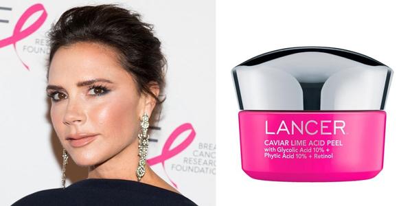 Victoria Beckham là fan trung thành của thương hiệu Dr. Lancer. Một sản phẩm cô rất ưa chuộng gần đây là tẩy tế bào chết Lancer Caviar Lime Acid Peel.