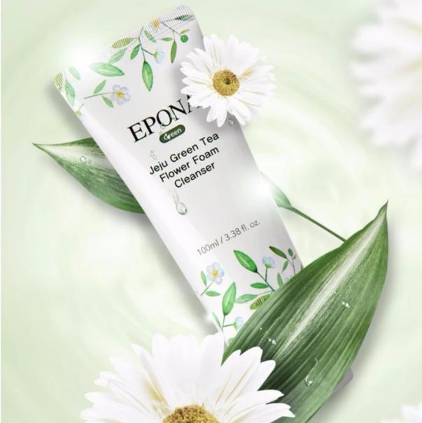 Sửa rửa mặt Epona với dạng kem mang đến sự dịu nhẹ và sạch sâu cho làn da.