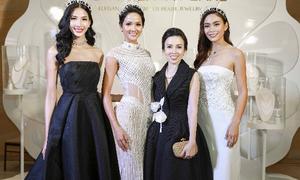 Hoa hậu H'hen Niê đội vương miện ngọc trai dự sự kiện