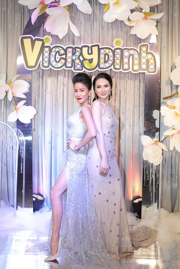 Siêu mẫu, diễn viên Bảo Trúc diện trang phục quyến rũ trong đêm hoan ca mừng sinh nhật 11 tuổi của Vickydinh Lens.