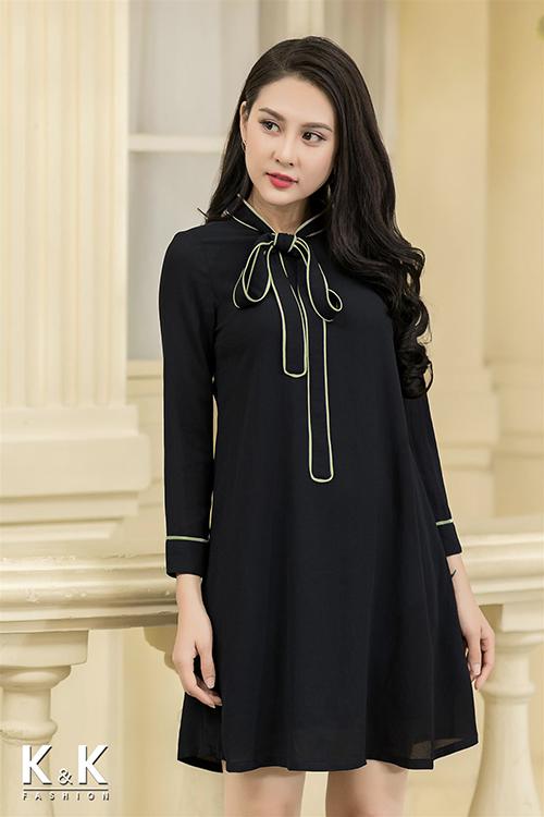Đầm suông nơ ngực hiện đại KK71-46 giá 330.000 đồng.
