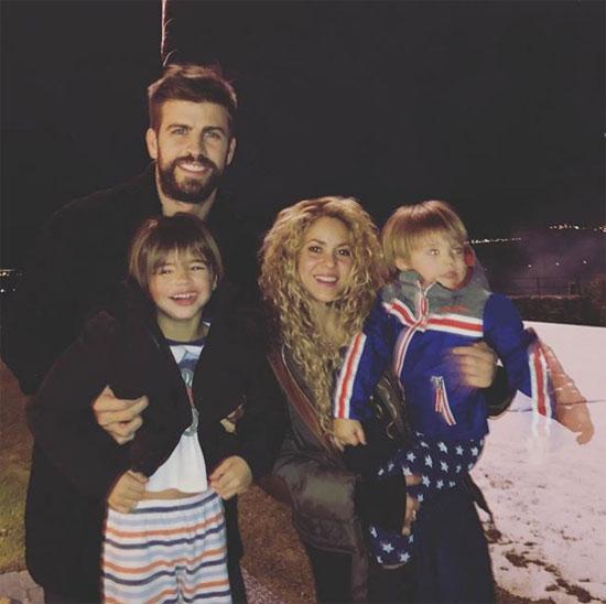 Pique ở bên cạnh Shakira trong thời gian tồi tệ nhất - 1