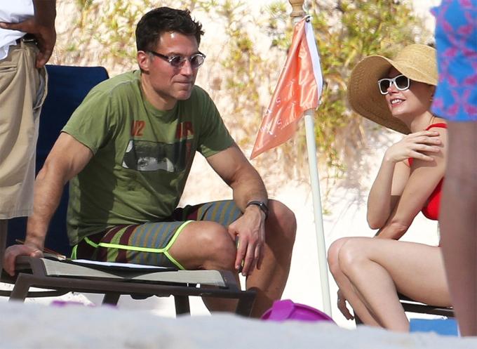 Cặp đôi trong kỳ nghỉ đầu năm ở Bahamas.