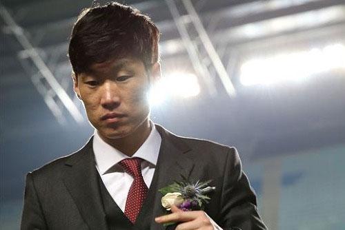 Park Ji Sung mất hai người phụ nữ thân yêu cùng trong một ngày.
