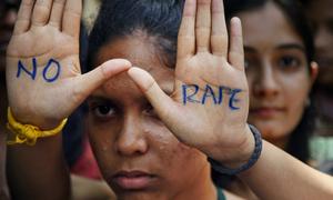 Bị hiếp dâm tập thể, thiếu nữ 15 tuổi tử vong vì dập gan, phổi
