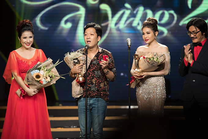 Nhã Phương bị đơ khi Trường Giang bất ngờ cầu hôn trên sân khấu