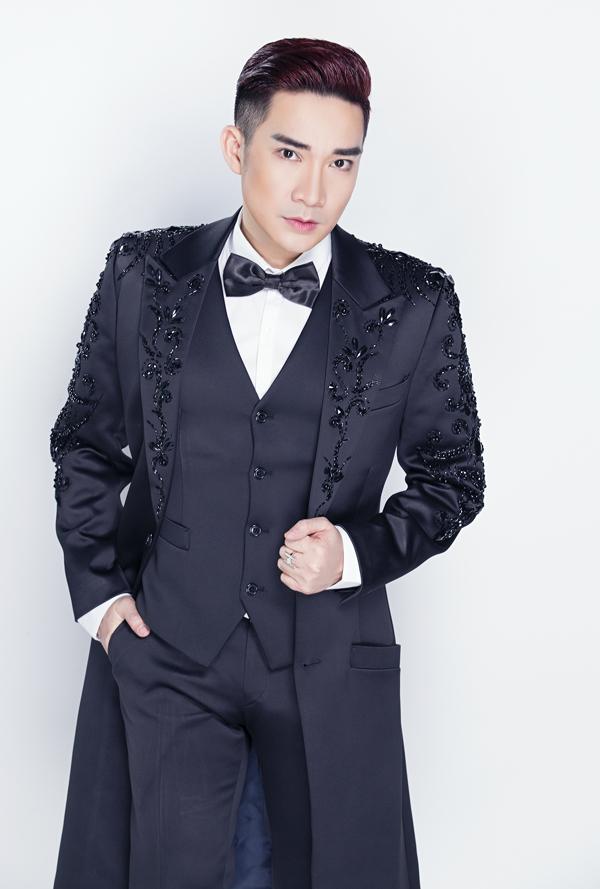 Quang Hà lịch lãm, sang trọng khi khoác trang phục của chú rể.