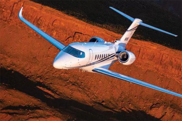 Tiền đạo MU thích máy bay có kích thước lớn, sở hữu cánh dài 20m - số đo lớn nhất với phản lựccá nhân. Bên trong chim sắtlà nội thất sang trọng.