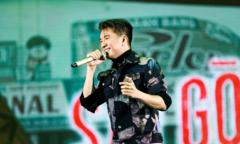 Đàm Vĩnh Hưng hát lại những bài trong liveshow Sài Gòn Bolero tại POPS Awards 2017