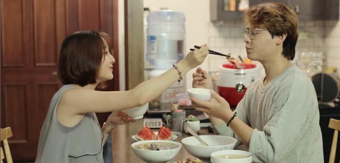 Nấu ăn cùng nhau - bí quyết giữ lửa hạnh phúc