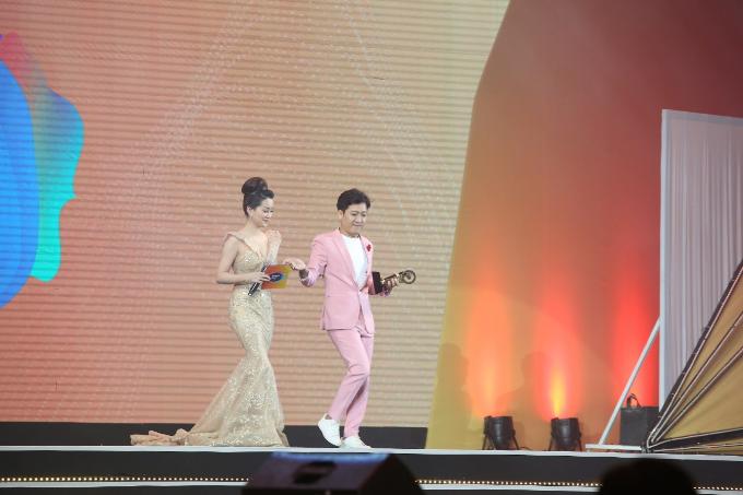 Đàm Vĩnh Hưng đưa Sài Gòn Bolero lên sân khấu đêm trao giải POPS Awards 2017