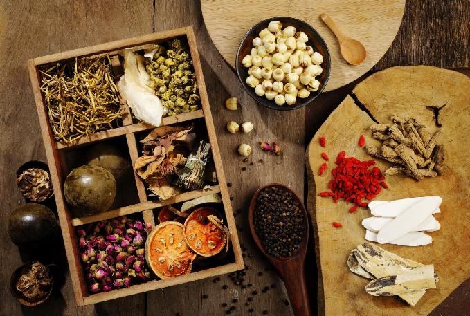 Những tinh chất quý từ thảo dược tự nhiên giúp làm đẹp được áp dụng nhiều những năm gần đây.