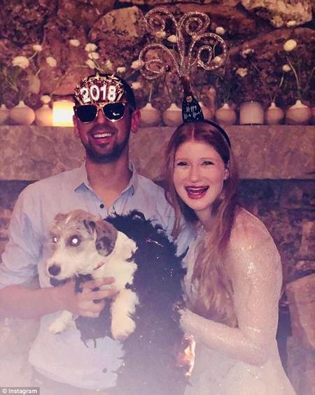 Cô gái 21 tuổi và bạn trai đón năm mới cùng nhau.
