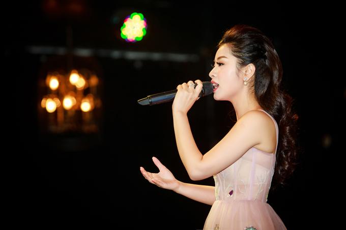 Năm 2018 này, cô có nhiều kế hoạch lớn để đưa giọng hát của mình đến gần hơn với người yêu nhạc.