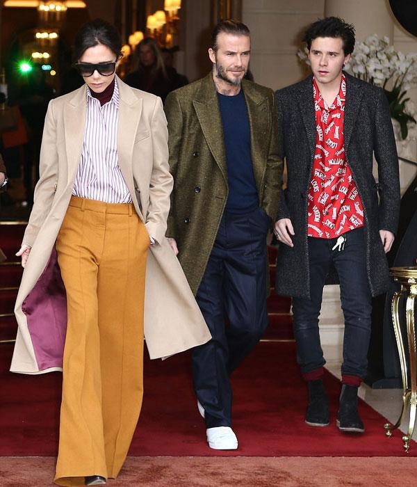 Vợ chồng Becks và cậu cả Brooklyn rời khách sạn sang trọng Ritz