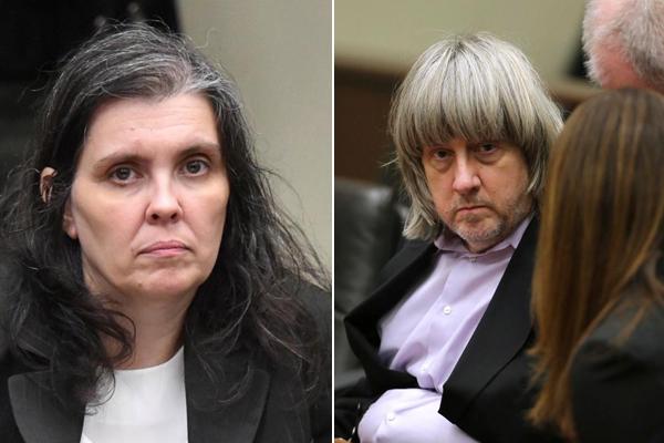 Vợ chồng Durpin tại phiên tòa hôm 18/1. Ảnh: Reuters/AP