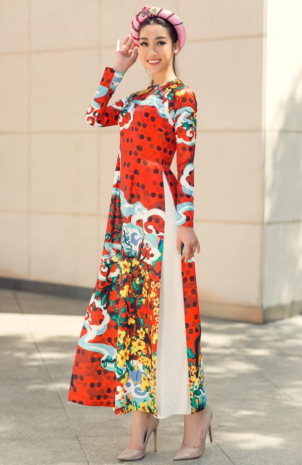 Sưu tập do nhà thiết kế Thủy Nguyễn thực hiện, phù hợp mặc trong dịp Tết.