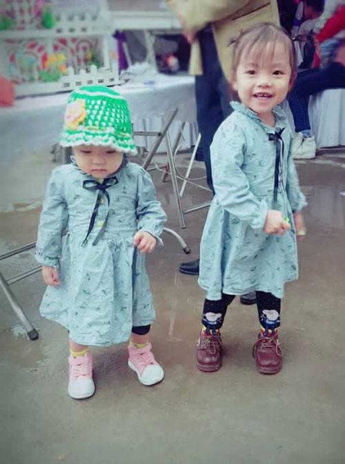 Hai con gái của chị Lan.