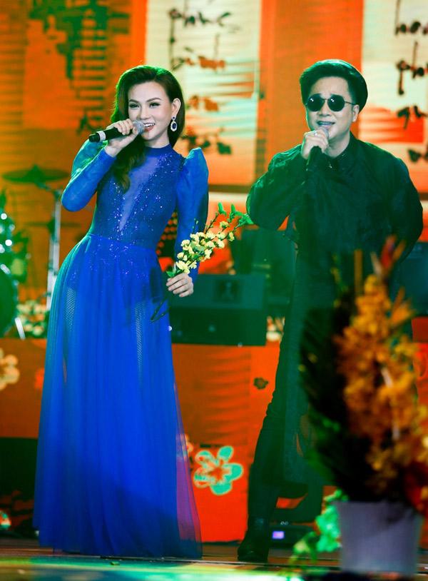Thu Thủy và Quách Tuấn Du hòa giọng trong ca khúc Thiên duyên tiền định.
