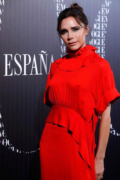 Tối 19/1, Vic có mặt tại bữa tiệc của tạp chí Vogue phiên bản ở Tây Ban Nha.