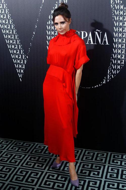 Cựu ca sĩ nhạc pop được mời dự tiệc sau khi thực hiện bộ ảnh và phỏng vấn cho Vogue tại xứ sở bò tót.