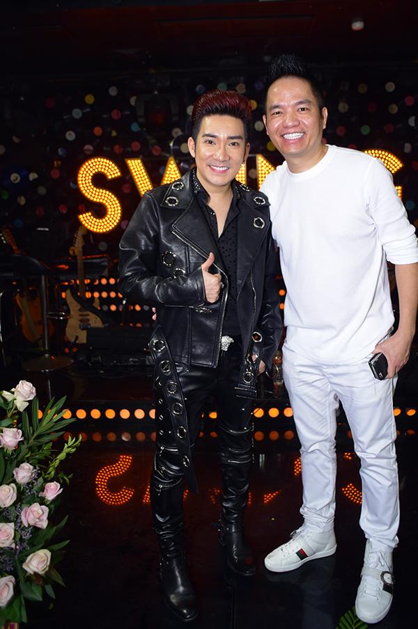 Anh trai đồng thời là người quản lý Quang Cường luôn đồng hành cùng Quang Hà trong mọi sự kiện quan trọng.