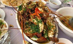 Đám cưới ở Quảng Ninh đãi khách 15 món, có tôm hùm, bào ngư