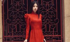 Jolie Nguyễn chọn áo dài cho mùa Tết