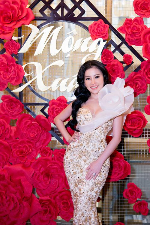 Janny Thủy Trần ra mắt MV kết hợp Tăng Nhật Tuệ và Adam Lâm