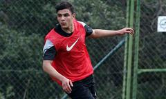 Hot boy đội U23 Qatar khiến fan nữ xao xuyến