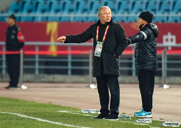 HLV Lê Thuỵ Hải: Ông Park Hang Seo quá nhiều chiêu, chúng tôi không thể biết hết