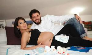Huyền thoại Maradona sắp có cháu nội