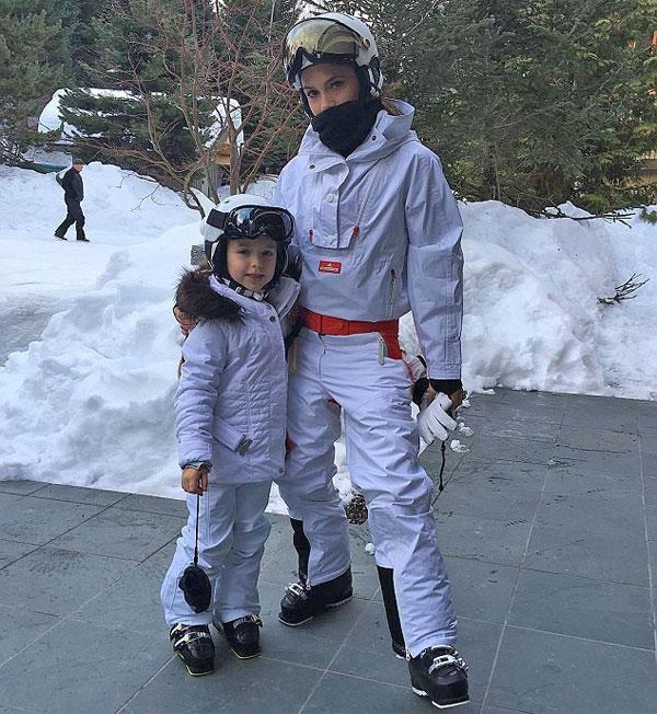 Vic và con gái cưng trong kỳ nghỉ trên núi tuyết năm ngoái