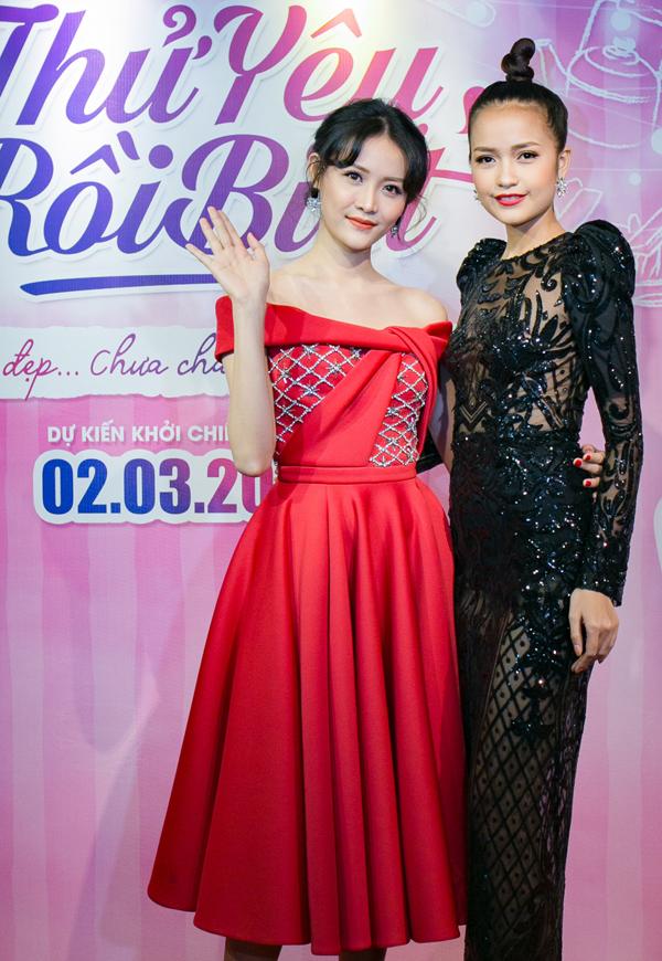 Quán quân Vietnams Next Top Model 2016 không ngại lộ vòng một khiêm tốn trong bộ cánh mát mẻ.