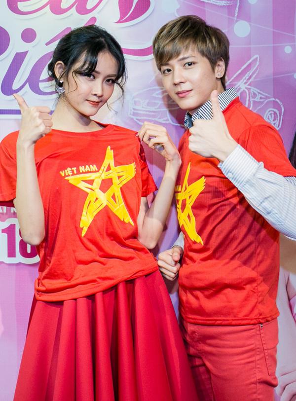 Trương Mỹ Nhân và Kent Phạm tin tưởng đội Việt Nam sẽ giành thắng lợi trong trận chung kết sắp diễn ra ở Trung Quốc.