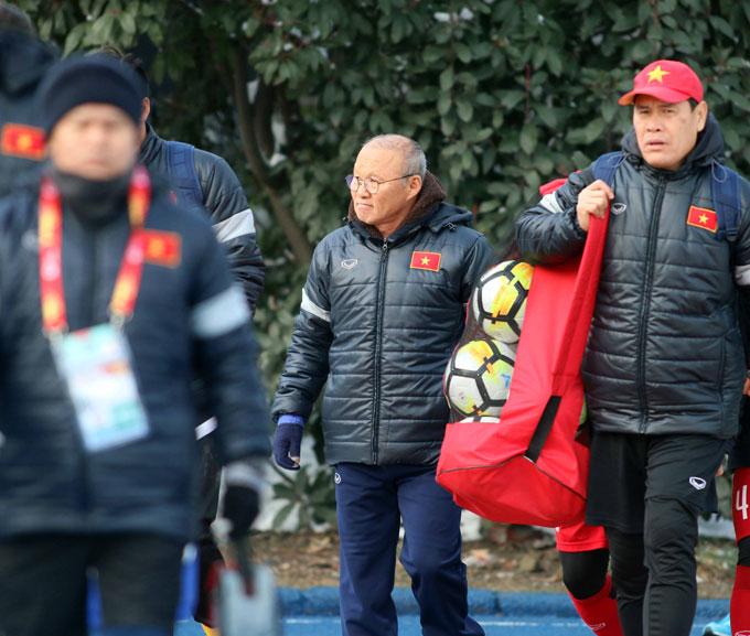 HLV Park Hang Seo có những tính toán để thi đấu dưới điều kiện thời tiết khắc nghiệt.