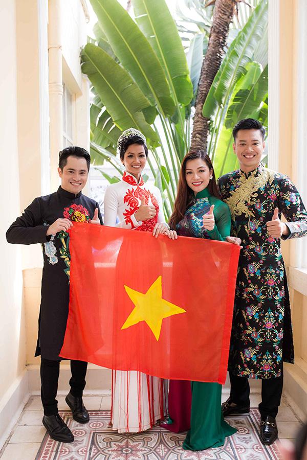 Hoa hậu HHen Niê hội ngộ siêu mẫu Hồ Đức Vĩnh - 2