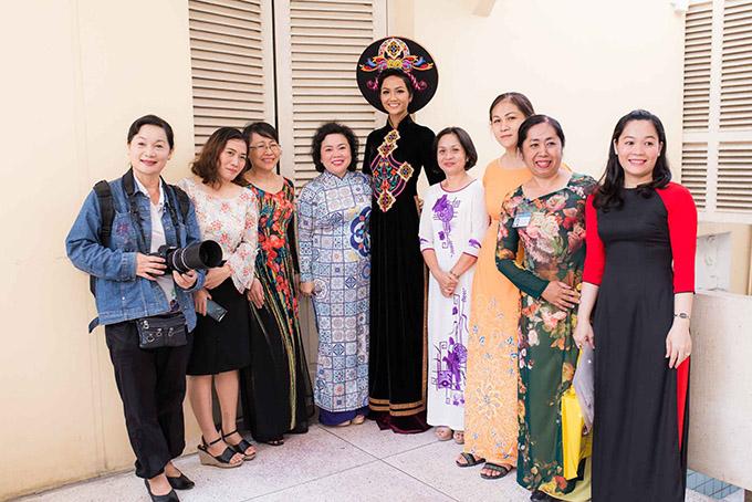 Hoa hậu HHen Niê hội ngộ siêu mẫu Hồ Đức Vĩnh - 6
