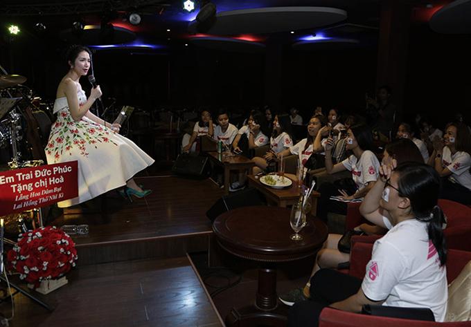 Hòa Minzy chia sẻ, sắp tới cô sẽ bắt tay với những nhạc sĩ như Mr Siro, Châu Đăng Khoa, Kai Đinh... để thực hiện các dự án âm nhạc trong năm 2018. Bên cạnh nhạc trẻ, nữ ca sĩ muốn ra một album bolero.