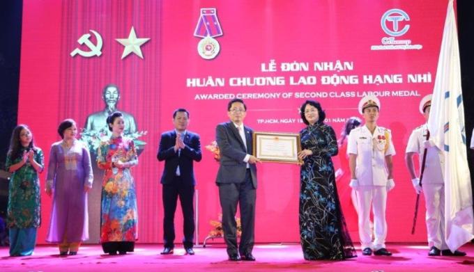 Tập đoàn C.T Group đón nhận Huân chương Lao động hạng Nhì của Nhà nước.