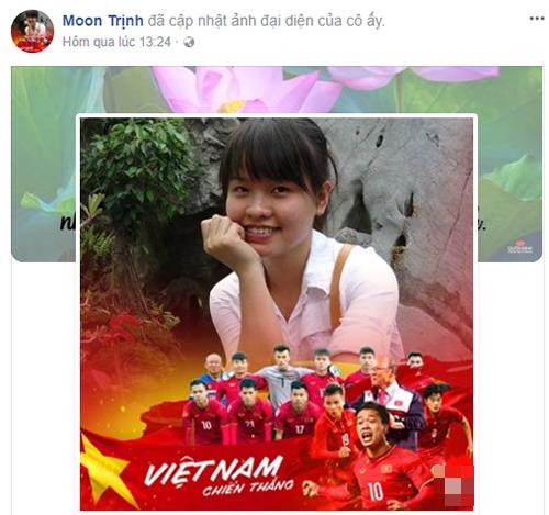 Trên mạng xã hội Facebook, nhiều tài khoản đồng loạt đổi avatar chung màu đỏ rực vì màu cờ sắc áo của đội tuyển.