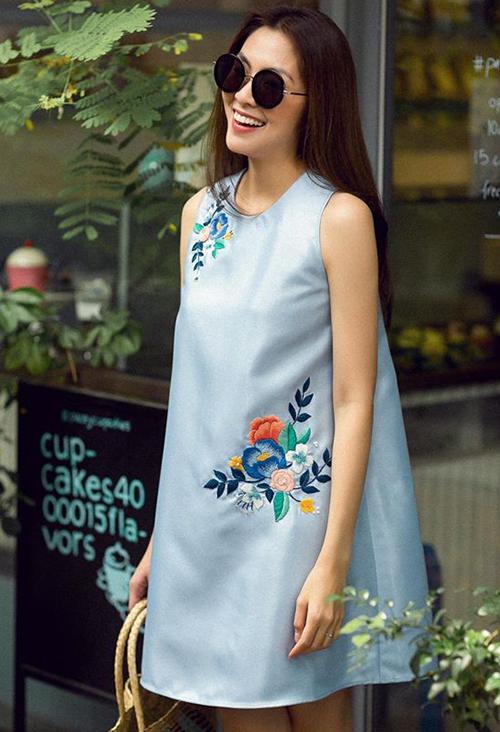 Tăng Thanh Hà ra mắt bộ sưu tập thiết kế thời trang màu sắc tươi tắn của thương hiệu thời trang mang tên cô.