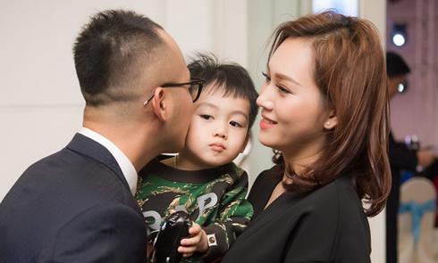 Chồng thiếu gia và con trai dự tiệc do Ngọc Thạch tổ chức