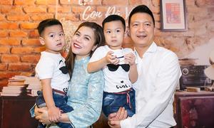 Vợ chồng ca sĩ Mỹ Dung lần đầu cho hai con trai lộ diện