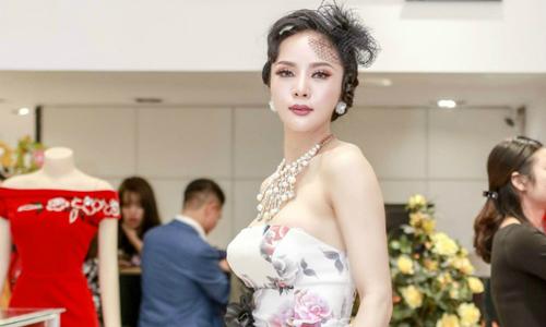 Á hậu Ngọc Quỳnh đến chúc mừng NTK Lê Hoàng Hải