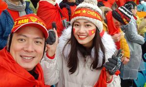 Thanh Tú, Bình Minh hò hét dưới trời tuyết để ủng hộ U23 Việt Nam