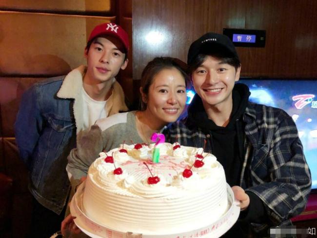 Ở tuổi 42, Lâm Tâm Như đã có một gia đình hạnh phúc với chồng và con gái hơn một tuổi.