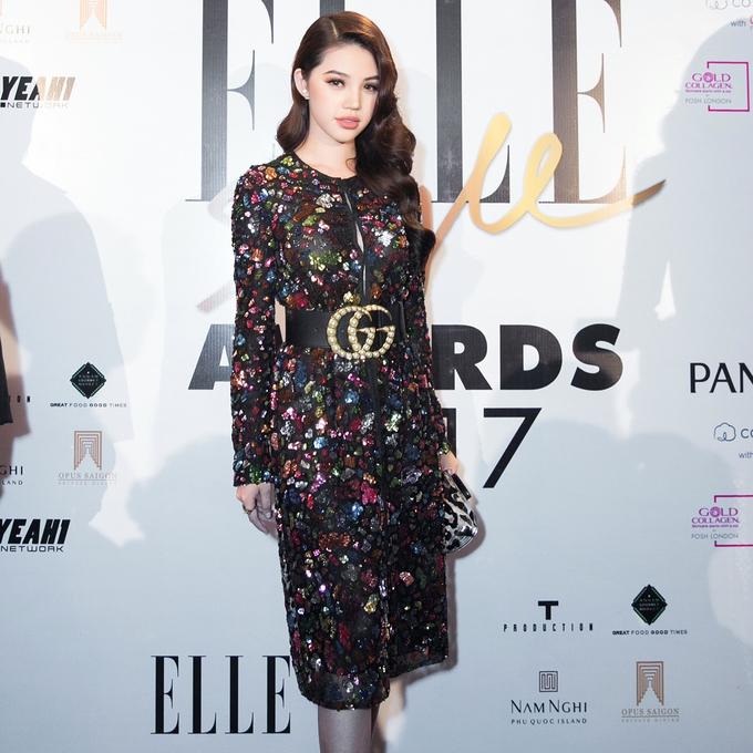Sao Việt mê mẩn thắt lưng đen của Gucci