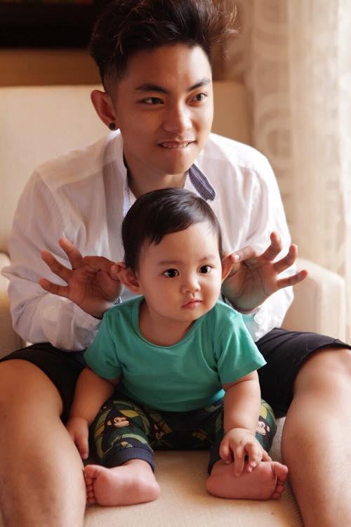 Phan Hiển chia sẻ lại bức ảnh kháu khỉnh của Kubi khi mới một tuổi.